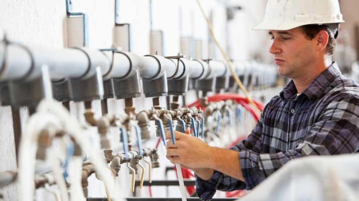 потребность производственных компаний в привлечении высококвалифицированных кадров