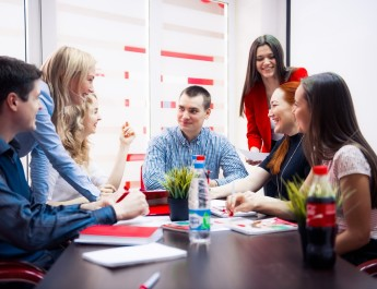 Как молодым талантам и работодателям мечты встретиться на рынке труда?