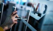 SAP и Deloitte: менее 3% HR-специалистов в РФ используют предиктивную аналитику и искусственный интеллект, чат-боты – 4-6%